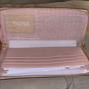 Michael Kors Bags - Michael Kors Jet Set Continental Wallet Wristlet